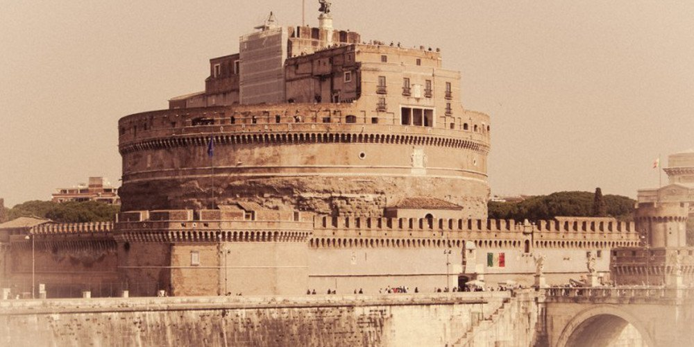 Castel Sant'Angelo - Hadrian's Tomb and the Papal Fortress